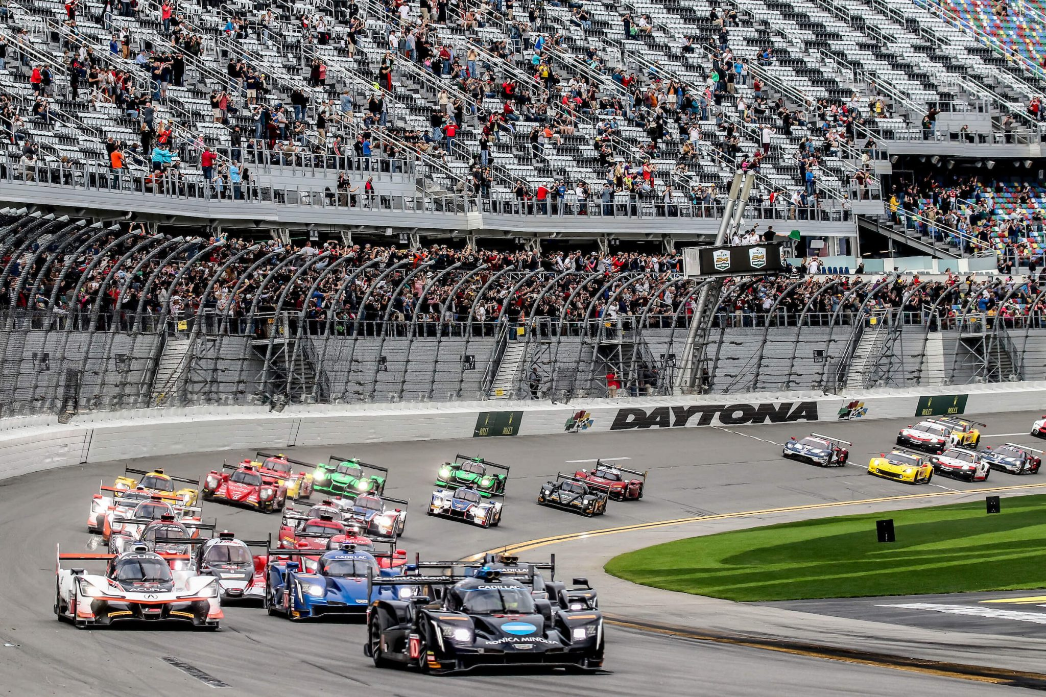 Early exit for Renger and WTR at Daytona